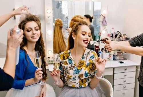 Салон красоты как рекламировать женского мастера для клиентов уборка квартир контекстная реклама