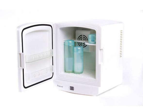 Холодильник для косметики cool-kit